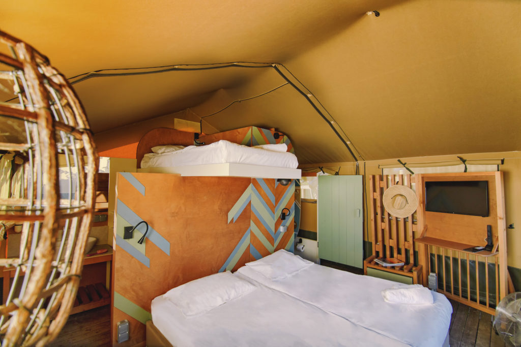 Mmedium luxury safari tents interior Shot